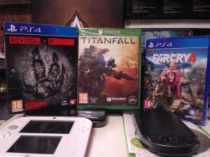 Evolve (PS4), Titanfall (Xbox One), Farcry 4 (PS4)